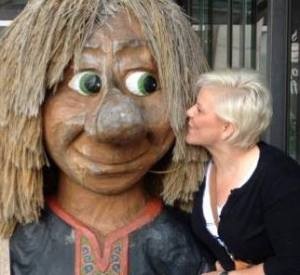 Kissing a Troll